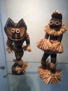 Pair of traditional dancer dolls - PENDE - Former Belgian Congo