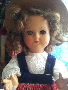 Bakelite doll with lateral eye movement