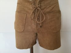 See By Chloé – Shorts made of genuine velour leather