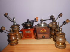 Collection of 7 older coffee grinders PeDe and older spice Mills from Zassenhaus