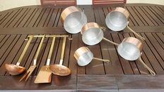 Set of 5 tinned copper pans + 4 utensils with attachment (ladle, skimmer, meat Fork and spatula).