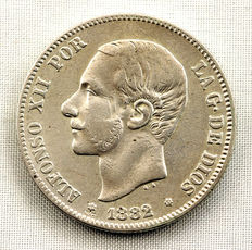 Spain – Alfonso XII – 2 pesetas silver coin – 1882*82 – Madrid