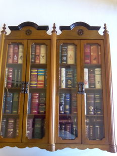 Miniature library with 67miniature classic books - 2003