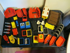 Assorted - Lego parts including Fabuland + Boats