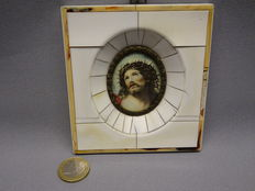 Miniature in ivory frame of Christ with crown of thorn wreath - signed - Germany - 1920 -1940