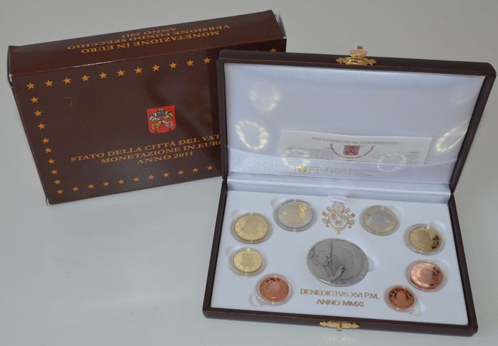 "Vatican – Year pack 2011 (Proof) ""Benedict XVI"", including silver medal"