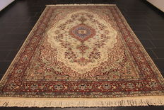 Royal hand-knotted oriental palace carpet, Kayseri, animal pattern, tree of life, made in Turkey around 1970, 219 x 339 cm