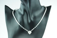 14 kt gold women's necklace set with diamonds, in mint condition, length 43 cm.