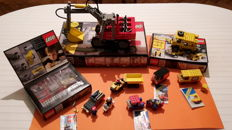 Technic / Classic Town - 8 sets o.a. 8851 + 8020 + 8700 - Excavator + Building Set + Expert Builder Power Pack
