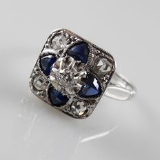 White gold Art Deco ring with blue sapphire and diamonds, size 15/47
