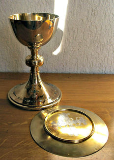 Beautiful vermeil and gem set church chalice and it's patten - France - 19th century