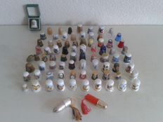Collection of 77 thimbles-Netherlands and abroad and two complete travel sewing kits
