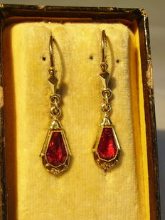 Victorian earrings with faceted Verneuil ruby