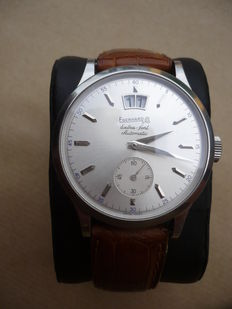 Eberhard Extra-fort – Large date display – Year 2011 – Men's wristwatch.