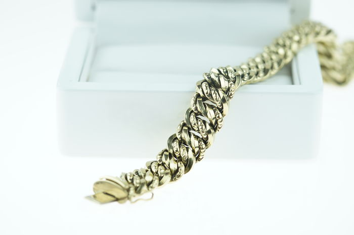 14 kt gold hand made chain link bracelet, wide model - 20 cm.