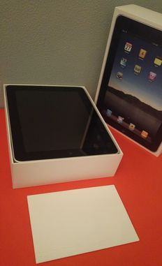 Apple iPad 1, 16GB. Wifi - boxed
