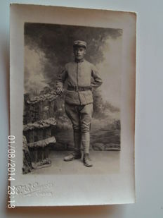 lot of 60 cards on militaria