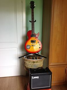 Epiphone LP Model Special II and combo Laney LG 12
