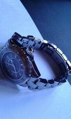 Chanel J12 H2978 Watch
