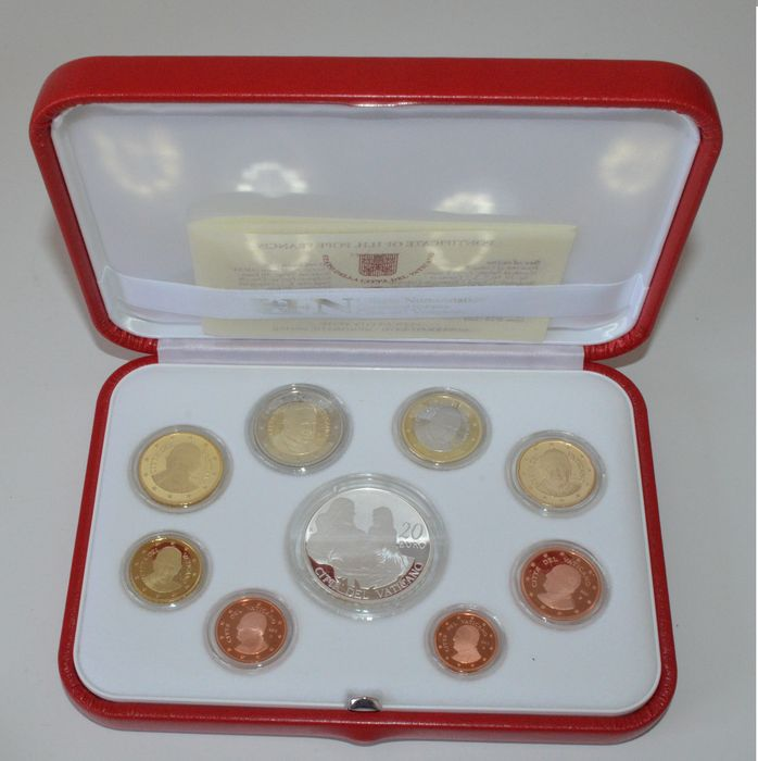 Vatican - year collection from 2015 (Proof) 'Franciscus' including silver 20 euro