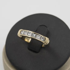 Yellow gold six-stone ring with brilliant cut diamonds – Ring size 14 (Spain)