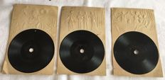 Three old postcards with small Gramophone plus three extra playable 78 rpm singles