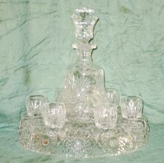Bohemian crystal decanter with 6 glasses in crystal holder
