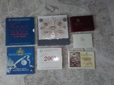 Italy and San Marino – Lot of seven coin capsules with coins from Italy, San Marino and Vatican (including silver)