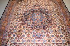 Magnificent oriental Tabriz rug, hand-knotted - 300 x 195 cm, no reserve price, bidding starts at €1