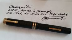 WAHL Vintage Fountain pen - Made in Canada - 14 ct gold Nib and solid gold trims