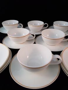 Hutschenreuther tea set, 5 x cup and saucer incl 6 larger saucers