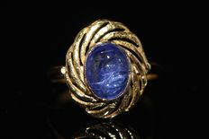 18 kt gold ring, set with tanzanite, size US 8