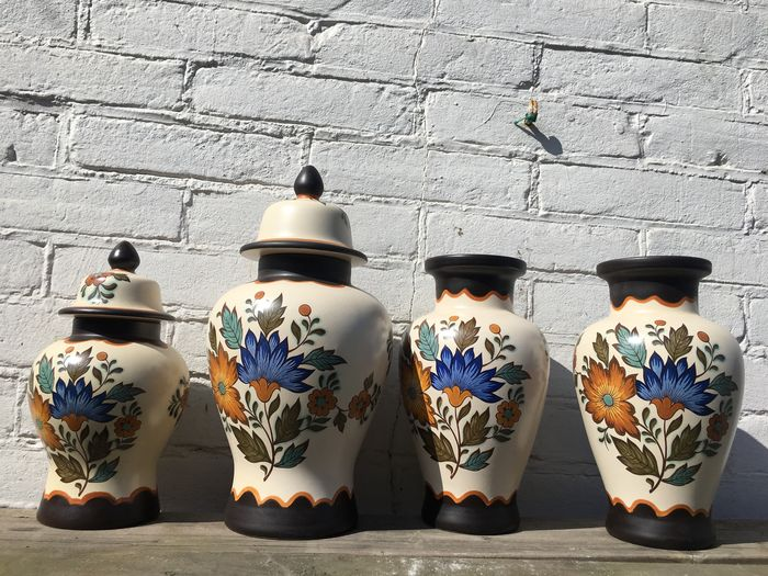 Flora earthenware set of two vases and two vases with lid