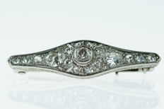 14 kt white gold Art Deco brooch set with diamonds, approx. 0.70 ct