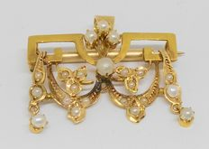 14 kt yellow gold brooch and pendant with small pearls