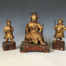 Wood carving / Guan Yu statue and his law enforcement - China - 18th century