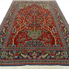 Ghoum – 169 x 109 cm – Persian beauty in wonderful, virtually unused condition.