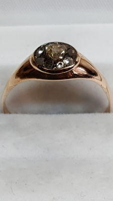 14 kt rose gold ring, set with rose diamond, no reserve!!