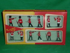"Crescent Toy, England - Scale 1/32 - Plastic soldier ""Royal Lifeguards & Grenadiers Set No.901"" 1950s/60s"