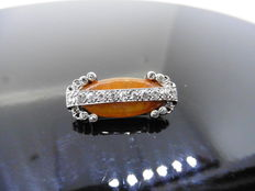 Amber and Diamond Brooch, 0.33 ct