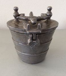 Nested weight in pewter, eight pounds (approximately 4 kg) weight with lid, origin Switzerland, 20th century. This cup-shaped weights are hallmarked with date and indication on cover and bottom of the weight