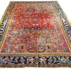 "Heriz – 332 x 243 cm – ""Large Persian carpet – Rugged, vintage carpet in beautiful, worn condition""."