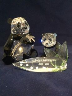 Swarovski - Annual Editions 2008 - Pandas Mother and Child and Title Plaque.
