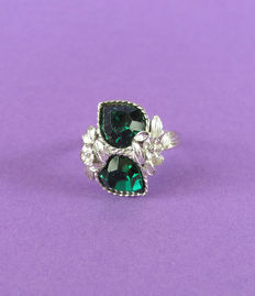 Art Nouveau revival - Signed - Silver tone Cocktail Ring with Emerald crystals - Bookpiece- NO Reserve