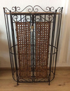 Wrought iron wine rack with reed for 36 bottles