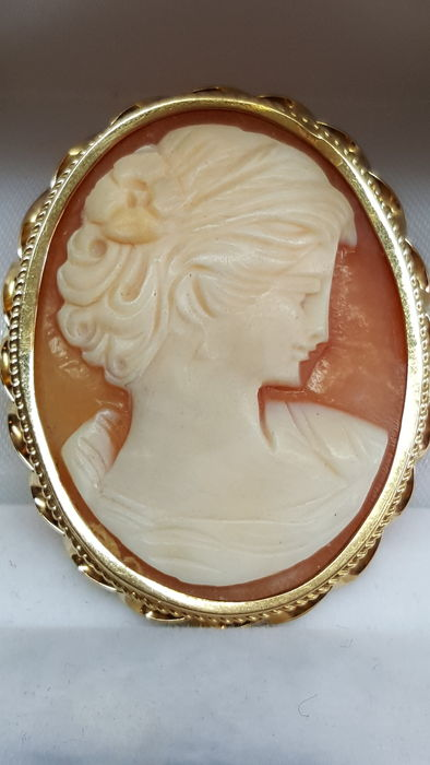 14 kt yellow gold pristine antique cameo