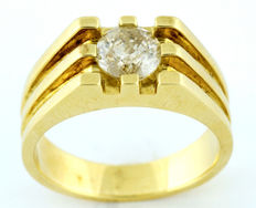18 kt gold solitaire ring Brilliant cut diamond totalling 1.14 ct. With IGE certificate O-R/P3. 12.48 g