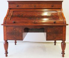 Biedermeier mahogany cylinder desk with pull-out surface -ca. 1860