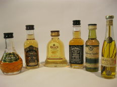 Bell's - Irish whistle - Bols - Armagnac - Wodka - etc. - 106 Vintage rare miniature bottles