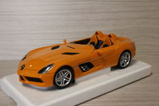 "Minichamps - Scale 1/18 - Mercedes-Benz SLR Mclaren "" Stirling Moss"" - colour: orange"
